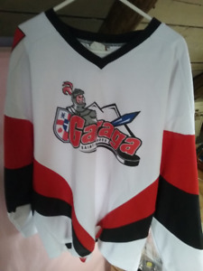 Chandail de hockey GARAGA à vendre