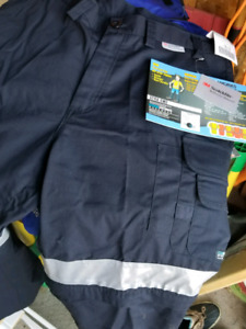 BNWT mens cargo style cool max work pants