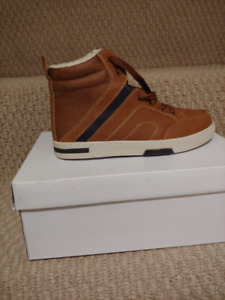Brand New Steve Madden Tan Boot with Laces - Boy's Size 3