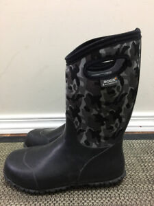 Size 5 Bogs winter boots