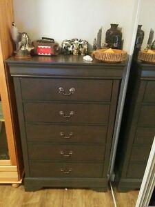 Beautiful Dark Grey 5-Drawer Upright Dresser