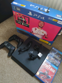 PS4 SLIM 500GB BOXED WITH X2 CONTROLLERS