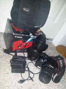 Canon Rebel T4I With 28-135 mm 3.5 f with extras