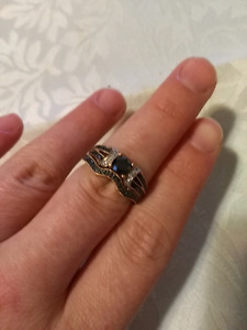 Unique Matching engagement and wedding band
