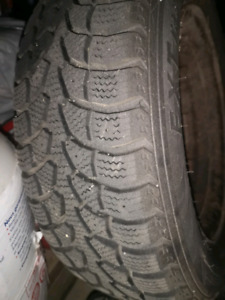 4 snow tires with rims  185/65 R14