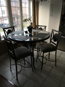 Kitchen table + 4 chairs (bistro, glass top)