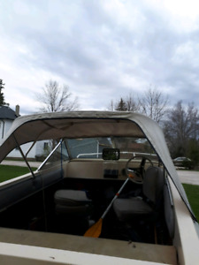 16ft fibreglass boat with canopy 60 johnson sea horse outboard.