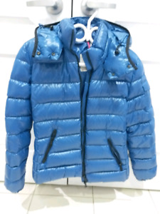 SELLING: MONCLER BADY PUFFER JACKET WOMENS