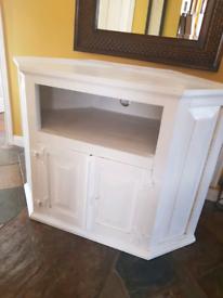 Large white painted TV unit- Free