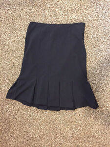 AGB Size 6, Black Ladies Lined, Pleated Skirt