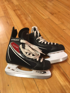 Ice skates for a boy. Size 3