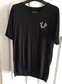 MENS TRUE RELIGION T SHIRT SIZE L