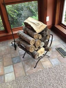 Metal log holder with logs