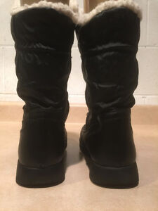 "Women's ""Lower East Size"" Winter Boots Size 8 London Ontario image 3"