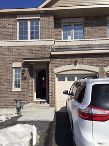 Barrhaven brand new 3 bdrs townhouse for 1550+utilities Apr1
