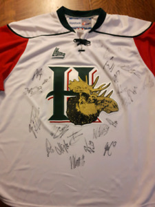 Autographed Halifax Mooseheads Memorial Cup Team Jersey