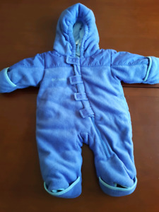 Columbia baby snowsuit/bunting, 6 months
