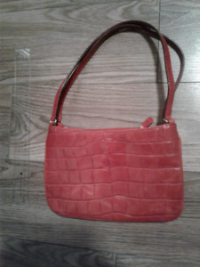 Adorable red Ann Taylor purse – perfect for the holiday season!