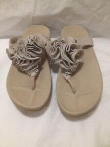 Ladies Fitflop' Frou Frou 'Leather Thong Sandals 7-7.5M