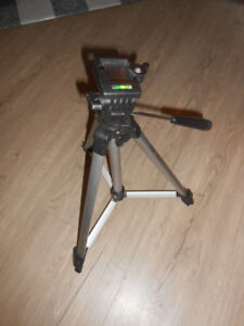 Tripod made by Optrex fully extendable
