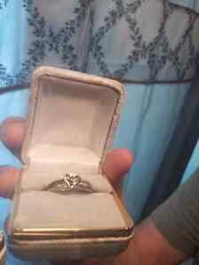 $1000+ Antique Heart Ring with 47 genuine diamonds for $245!