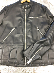 VINTAGE BLACK MOTORCYCLE JACKET
