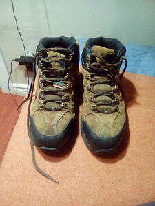 Steel boots for working
