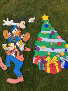 Used Mickey & Friends Christmas wooden yard art decoration
