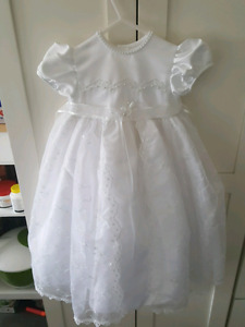 Baptismal gown 6 to 9 months