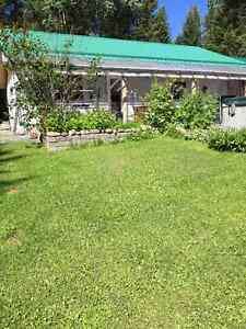 House/40X50' Shop and Out Buildings 5 acres 7 minutes from town