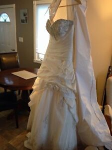 Gorgeous Private Label by G 1383 wedding dress London Ontario image 8