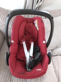 Red pebble maxi-cosi car seat