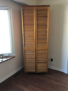 TV with Pine Cabinet