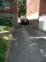 Rosemont, espace extérieur pour remiser une petite voiture