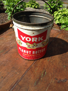 VINTAGE YORK PEANUT BUTTER 4 LBS METAL CAN GREAT GRAPHICS