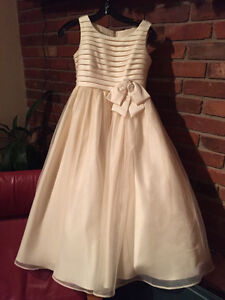 Flower girl / communion dress -- girls size 10 --worn only once Peterborough Peterborough Area image 6