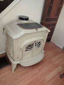 Vermont Castings Enamel (Biscuit Color) Wood Stove