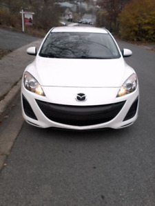 2010 Mazda 3 Hatchback. Low KM