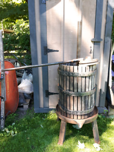 Vintage Old Fashioned Wine/Apple Cider Press