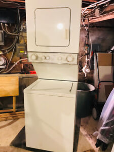WHIRLPOOL Washer & Dryer Electric Stacked Laundry Center