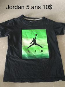 A vendre Beau T shirt jordan 5 ans 10$