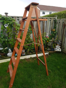 7 ft wooden ladder