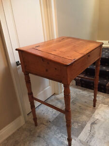RARE PENNSYLVANIA LIFT TOP/SLANT FRONT APOTHECARY DESK