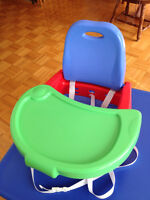 Comme neuf - Siège rehausseur de table Booster Seat like new $15