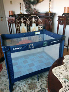 GRACO FOLDABLE play pen& portable in mint condition,$100.00