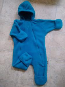 $25 MEC Size 12M Fleece Bunting Suit, excellent condition