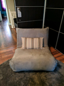MULTI USE CHAIR/COUCH/BED