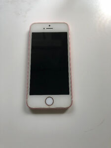 Unlocked iPhone SE 64gb Rose Gold Excellent Condition