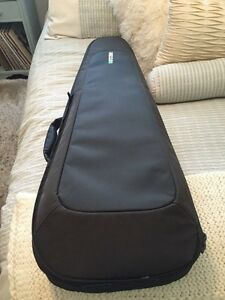 Incase deluxe guitar gig bag - mint condition