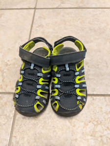 Boys sandals- toddler size 9- $5